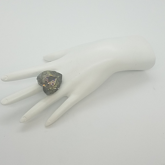 GASOLINE GLAMOUR Jewelry - HEART THROB PEAOCK CRYSTAL HEART RING NEW